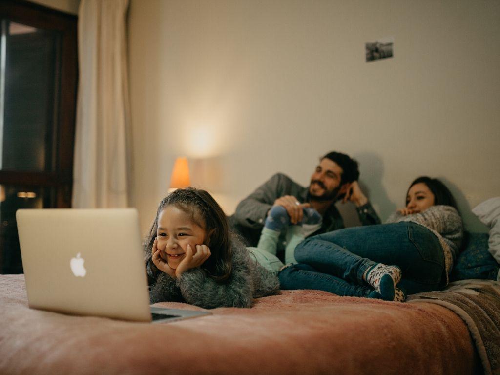 talleres online gratuitos uso tecnología familia